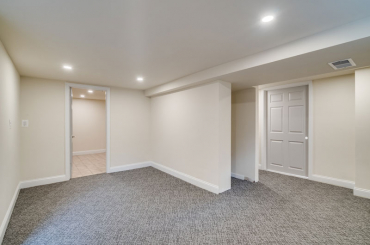 Remodel for Sale at 3590 N. 14th Street - Photo 27